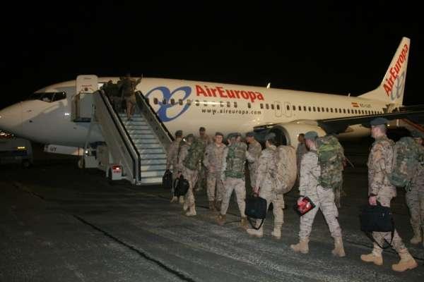 Un centenar de componentes de la Brilat parten rumbo a Afganistan