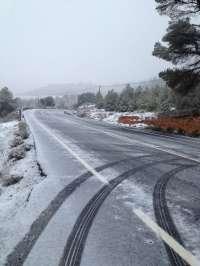 La nieve obliga a cerrar el puerto burgalés de Lunada y a extremar la precaución en La Mozarra (Burgos) y Tarna (León)