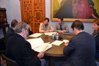 Diputación firma con Aguilar, Moriles y Puente Genil para el mantenimiento de la Vía Verde del Aceite