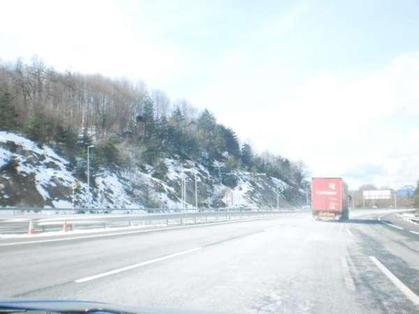 Un puerto de la red secundaria riojana continúa necesitando cadenas para circular por la nieve