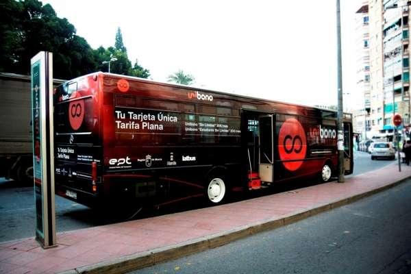 Fomento y el Ayuntamiento de Molina impulsan la mejora del servicio de autobús en el municipio