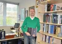 El traductor Jorge Luis Bueno se convierte en el único español con dos premios nacionales de la asociación Aedean