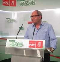 PSOE-A justifica que Díaz no se reúna con Moreno, que