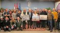 Juan Ramón Larrocea, con la fotografía 'Vendimia a mano', gana el IV concurso Tradiciones de La Rioja