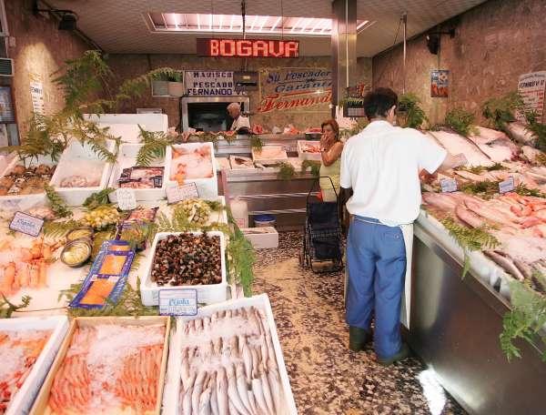 Las ventas del comercio minorista aumentan un 0,2% en noviembre en Galicia y el empleo crece un 0,1%