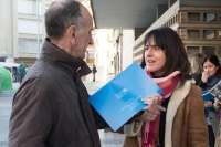 Salud distribuye un calendario sobre el cáncer de colon en los centros incorporados al programa de detección precoz