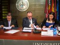 AECC en Valladolid destinará 56.000 euros en tres años a un proyecto de la UVA contra el cáncer de tiroides