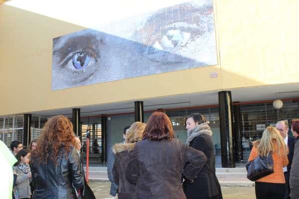 El IES Albero, de Alcalá de Guadaíra, conmemora sus bodas de plata con 'Una mirada al mundo'