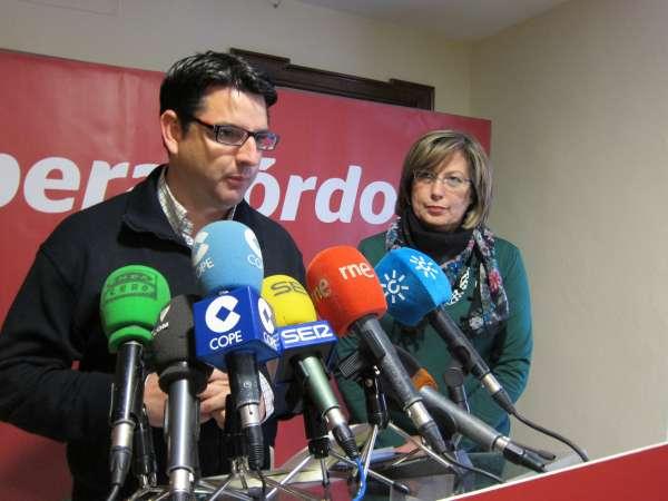 García (IU) desea que el PSOE