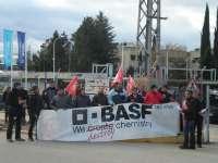 Trabajadores de Basf Tudela se concentran en Marchamalo para pedir la liquidación de sus puestos de trabajo