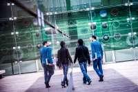 El Ministerio beca en la Comunitat Valenciana a 4.400 universitarios más que en el curso 2012-13