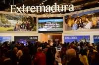 Actividades relacionadas con la gastronomía atraen numeroso público al estand de Extremadura