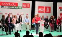 Díaz critica el desconocimiento de Rajoy del campo andaluz y le urge a reducir