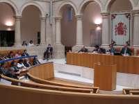 El Parlamento debatirá sobre pobreza, servicios públicos, desahucios, educación, transportes o sanidad