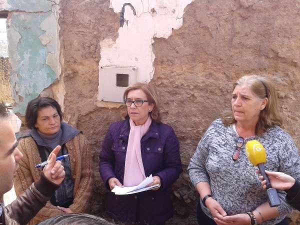 Rodríguez Hornillo respalda a vecinos de El Castillo ante los incumplimientos en la rehabilitación de sus casas