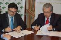 Unicaja y el Colegio de Farmacéuticos firman un acuerdo para apoyar financieramente a 1.800 profesionales