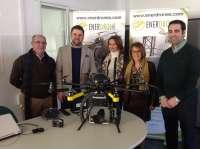 La Junta valora a la primera firma jiennense homologada como operadora de drones a nivel nacional