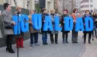 La Junta General se compromete con la igualdad real entre mujeres y hombres en el empleo, la política y la sociedad