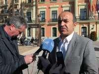 López (PSOE) lamenta que el PP esté más entretenido en