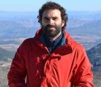 Carlos Egio leerá poemas de 'Cincuenta metros más viejo' este lunes en el Café Zalacaín