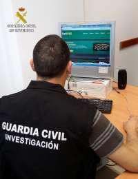 Detenida una pareja en Utrera por estafar 9.000 euros a un comerciante en bonos de dinero electrónico