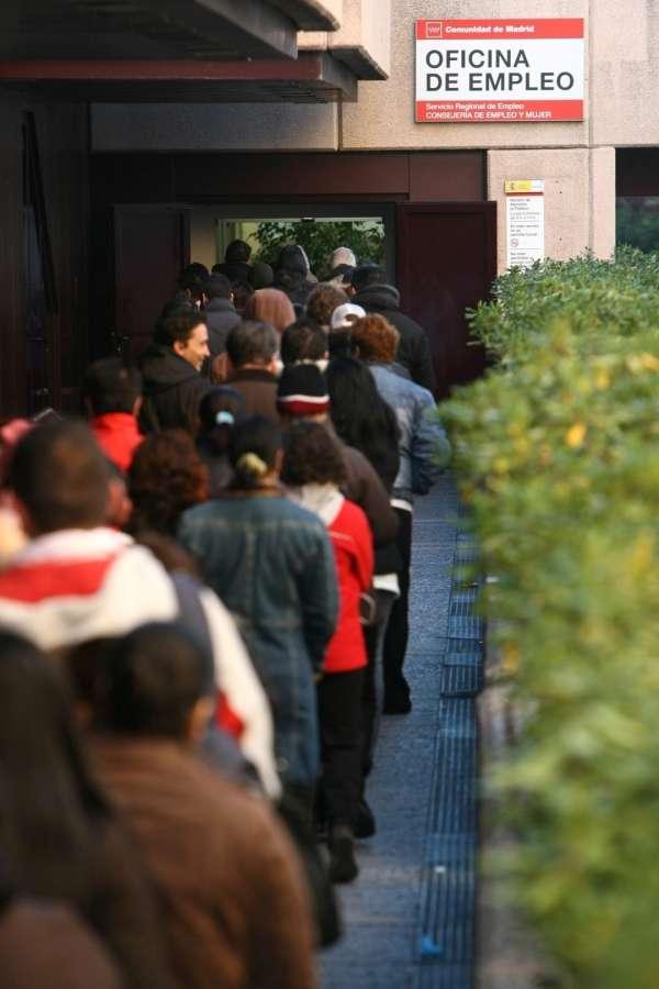 La cifra de parados en Andalucía baja en 10.737 personas en marzo hasta 1.029.100 desempleados