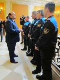 El Alcalde destaca la labor de la Policía Local que logró evitar una violación a una menor