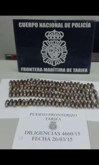 Detenido en el puerto de Tarifa con 97 bellotas de hachís en el interior del organismo