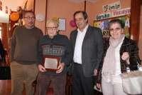 El Ayuntamiento de Gernika rinde homenaje al vecino Aniceto Uribarri tras cumplir 100 años