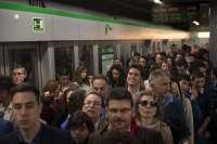 S.El metro cosecha su segunda mejor Semana Santa con 562.632 viajeros, 18.530 menos que en 2015