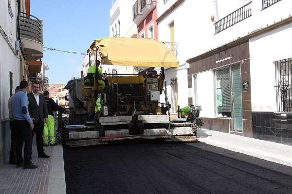 Los Palacios, que concluye reforma integral de dos vías, contará con 600.000 euros para el nuevo plan