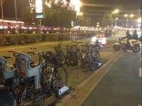 'A contramano' lamenta que los aparcamientos para bicicletas en las proximidad del Real sean