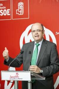 El PSOE reclama a Tejerina medidas ante el fin de la cuota láctea y la caída de los precios de la leche
