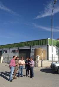 La renovación de alumbrado y red de agua hará más sostenible el polígono industrial de Peal de Becerro