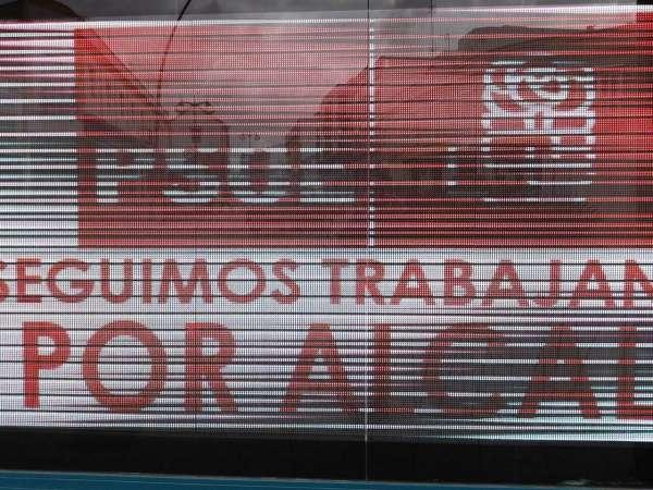 El PP alcalareño denuncia ante la JEZ carteles del PSOE con el lema 'Seguimos trabajando por Alcalá'