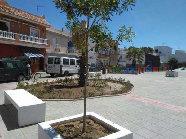 Guillena concluye las obras del Supera I con la remodelación de la plaza Primero de Mayo