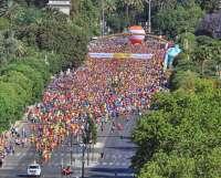 Más de 12.000 corredores inundan la ciudad en la 33 Volta a Peu