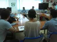 El delegado de Economía mantiene un encuentro de bienvenida con los becados Talentum de Cádiz