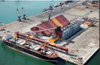 Las exportaciones caen un 18% en el primer trimestre y las importaciones suben un 9,7%