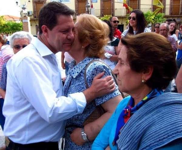 Page se compromete a hacer un plan especial de empleo para Talavera y a