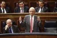 La oposición critica la reforma puntual de la financiación autonómica, apoyada por PP y UPN