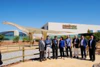 Dinópolis inaugura la nueva zona 'Tierra Magna' en el parque paleontológico en Teruel