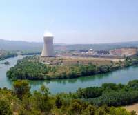 La central nuclear Ascó sustituye las sondas de temperatura de la torre meteorológica