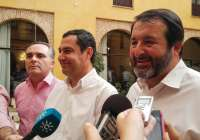 AMP.- Moreno desvela que Susana Díaz le ha llamado para hablar sobre investidura y constitución de ayuntamientos