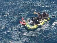 Sucesos.- Rescatados otros 16 inmigrantes que trataban de cruzar el Estrecho a bordo de una neumática