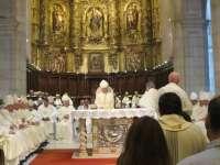 AMPL El nuevo obispo de Santander insta a