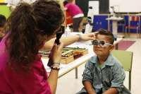 Sólo el 0,4% de los alumnos riojanos protege sus ojos cuando usan dispositivos electrónicos en el aula