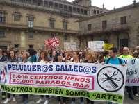 Unos 400 profesionales gallegos de peluquería exigen al Gobierno