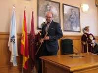 Martiño Noriega, investido alcalde de Santiago con el apoyo del BNG, recuerda a Ánxel Casal y a las Dos Marías