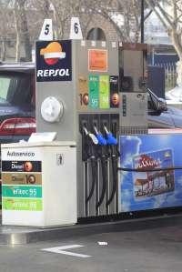 El 77% de los conductores castellanoleoneses toma medidas para ahorrar en combustible, según Rastreator